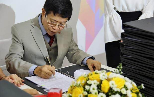 Từ tiến sĩ Toán học bén duyên kinh doanh đến vị khách hàng trăm tỷ của tổ hợp giải trí lớn nhất Đà Nẵng