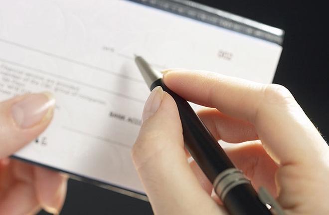 Mua hộ và ký hộ SÉC sẽ bị xử lý ra sao?