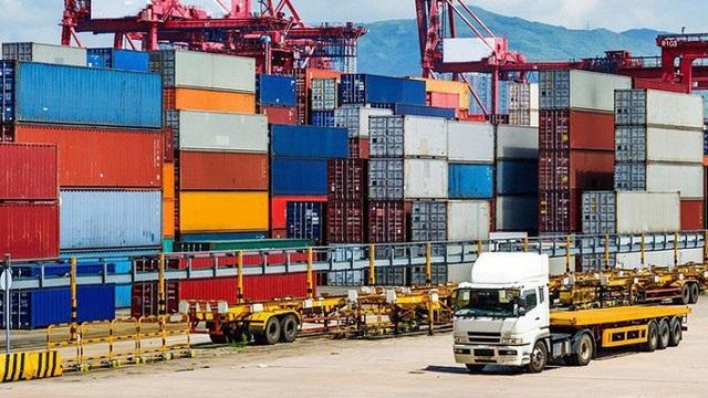 Thủ tướng chỉ thị giảm chi phí logistics