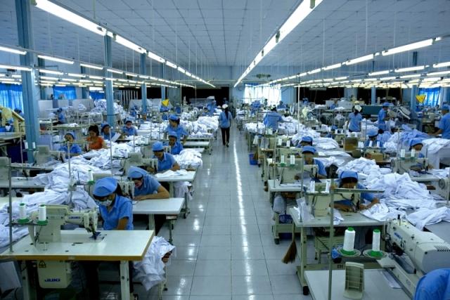 Đừng tưởng may mặc được hưởng lợi bởi chiến tranh thương mại Mỹ - Trung
