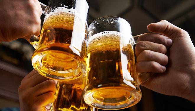 """Hàng loạt cổ phiếu bia tăng vọt """"chào mừng"""" Habeco lên sàn Upcom"""