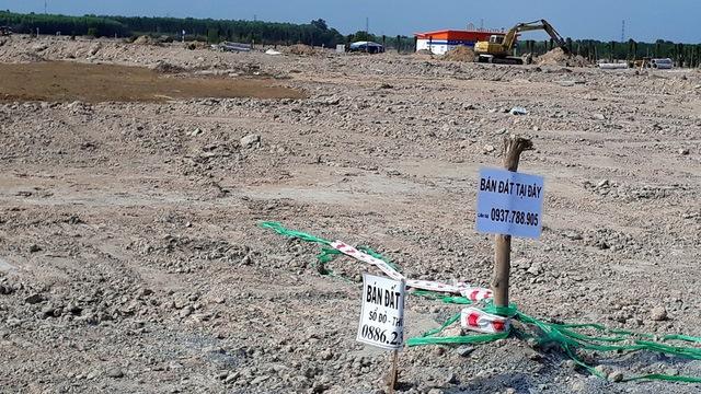 Nhiều doanh nghiệp nhỏ bỏ mặc công ty đi mua đất