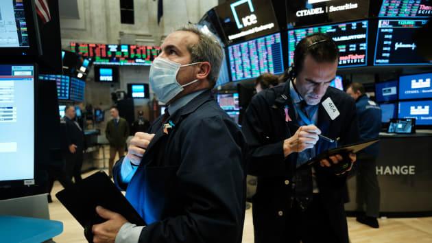 Quốc hội Mỹ không thể thông qua gói kích thích khổng lồ, chứng khoán châu Á đỏ lửa, Dow Futures lao dốc 600 điểm