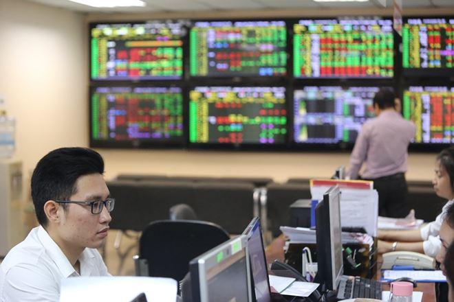 Kỳ vọng thị trường chứng khoán bước trên nền tảng mới