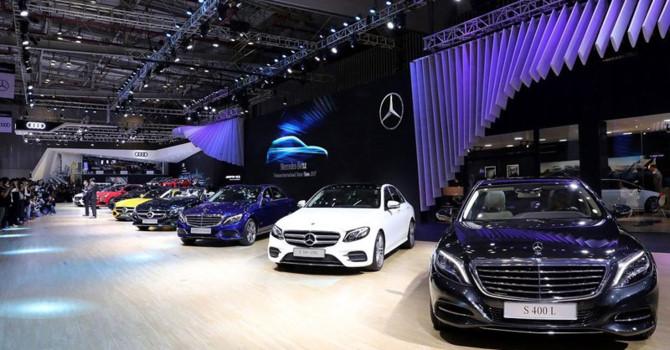 """Nhà giàu Việt """"cưỡi"""" Maybach, Audi nhiều nhất khu vực"""