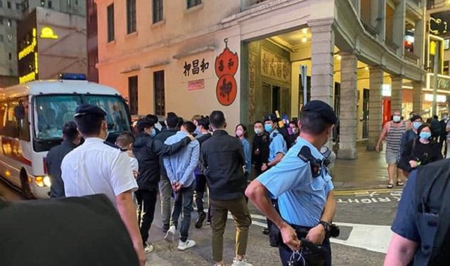 Tại Hong Kong, nhà đầu tư thuê xã hội đen giải quyết mâu thuẫn