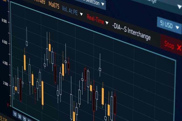 """Ngày 25/02/2021: 10 cổ phiếu """"nóng"""" dưới góc nhìn PTKT của Vietstock"""