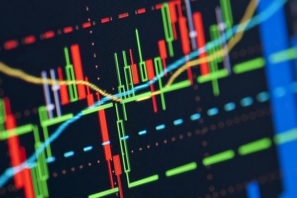 """Ngày 24/11/2020: 10 cổ phiếu """"nóng"""" dưới góc nhìn PTKT của Vietstock"""