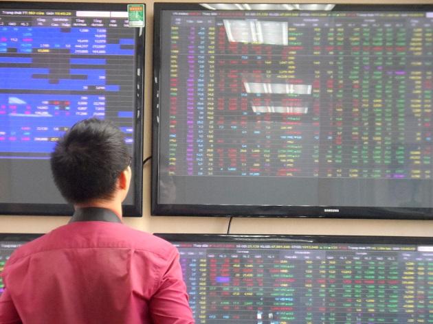 Nhịp đập Thị trường 22/04: Áp lực bán vẫn đè nặng