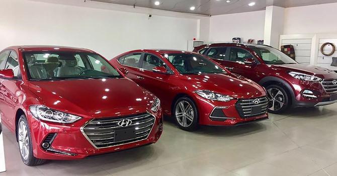 """Sau Tết thị trường ô tô lâm vào cảnh """"cháy hàng"""", nhiều mẫu không còn xe để bán"""