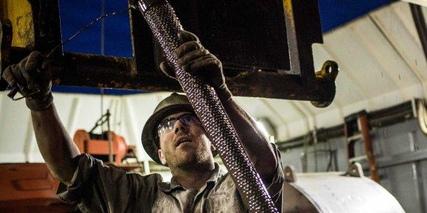 Giá dầu lên đỉnh 16 tháng nhờ lạc quan từ thỏa thuận của OPEC