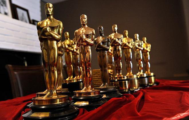 Tỷ mỷ như làm tượng vàng Oscar: Mất 3 tháng để tạo ra 50 bức tượng