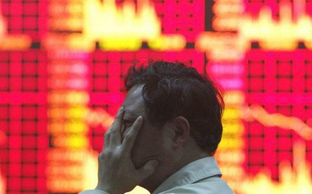 """Nikkei 225 """"đi"""" gần 750 điểm khi nỗi lo về chiến tranh thương mại trở lại"""