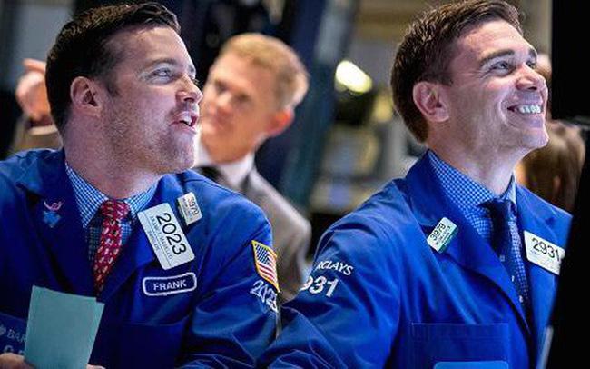 Khối ngoại mua ròng phiên thứ 3 liên tiếp, sắc xanh phủ kín thị trường trong phiên đầu tuần