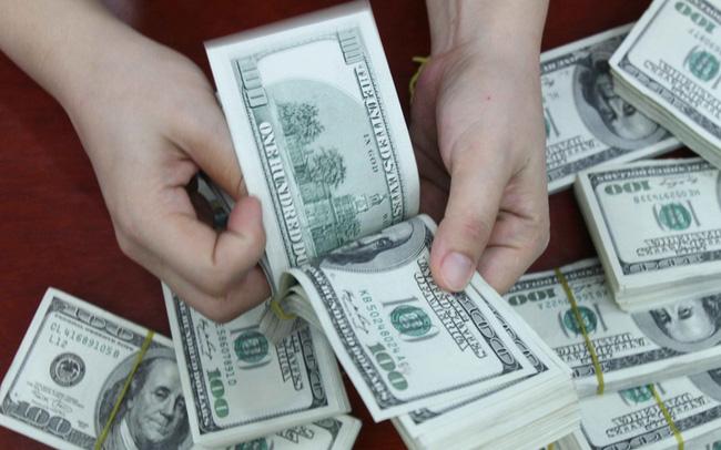 Chiều ngày 13/7: USD tự do tăng vọt, USD ngân hàng vượt 23.100 đồng