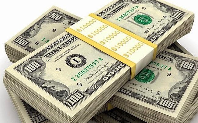 NHNN ngưng bán USD giá rẻ, USD ngân hàng đồng loạt tăng vọt gần 200 đồng