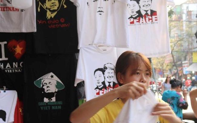 Cửa hàng áo phông Việt Nam in hình ông Trump, ông Kim lên báo Đức