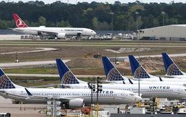 Áp lực bủa vây Boeing