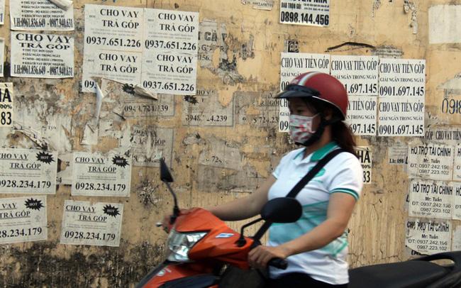 """Cảnh báo tình trạng công nhân """"vay tiền nóng"""", thế chấp thẻ ATM"""