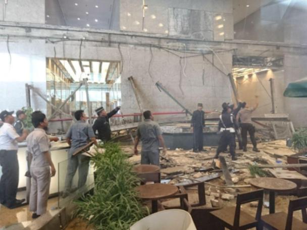 Sập sàn chứng khoán Indonesia, gần 80 người bị thương