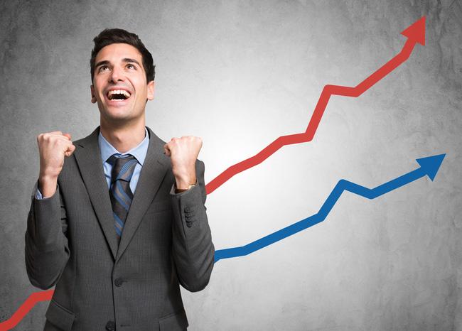 Cổ phiếu Bluechips, ngân hàng đồng loạt thăng hoa, VnIndex tiếp tục vượt ngưỡng 820 điểm