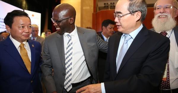 Bí thư Nguyễn Thiện Nhân đề xuất có ngân sách riêng phát triển giao thông TP HCM và Tây Nam Bộ