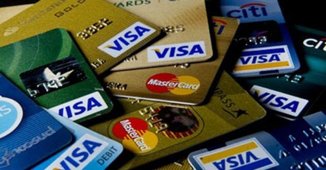 Người dân rất dễ bị mất tiền trong thẻ tín dụng do tính năng thanh toán qua mạng