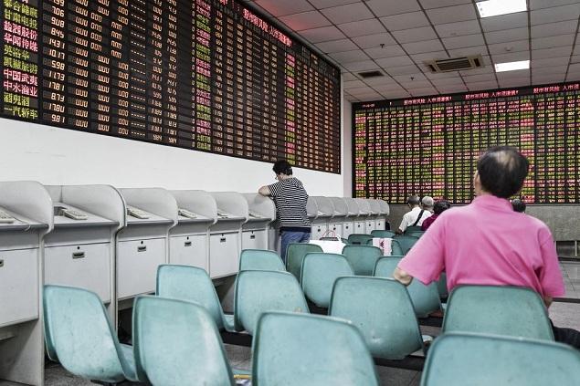 Hai câu chuyện đối lập giữa TTCK Trung Quốc và các thị trường mới nổi