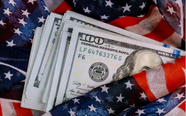 Tại sao đồng USD mạnh lên sẽ gây rủi ro cho nền kinh tế toàn cầu?