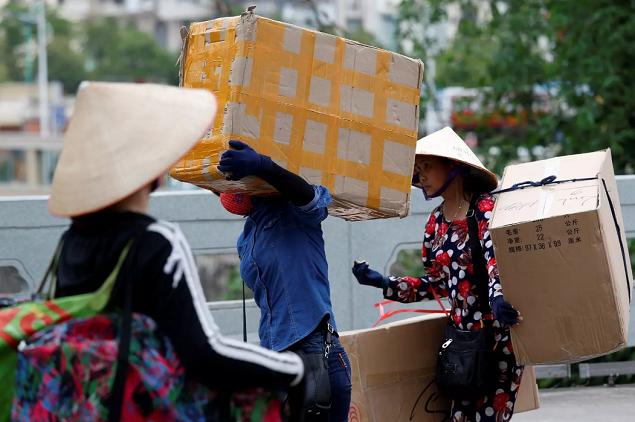 Financial Times: Người tiêu dùng tiếp sức cho nền kinh tế Việt Nam