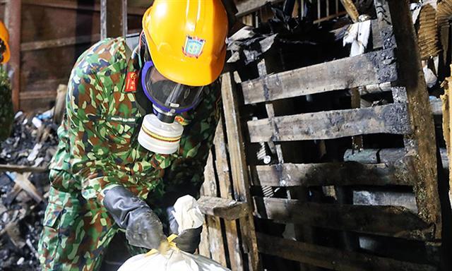 5 tấn phế thải độc hại được gom trong kho Rạng Đông