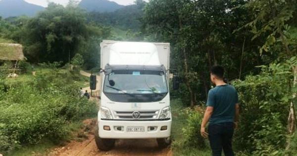 Bất thường đường đi của xe ôtô chở dầu thải đổ xuống nguồn nước sông Đà