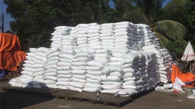 Bắt trùm buôn lậu đường cát từ Campuchia về Việt Nam