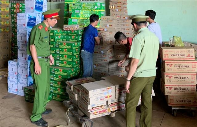 Bình Phước: Phát hiện, thu giữ 175 thùng bò húc không rõ nguồn gốc