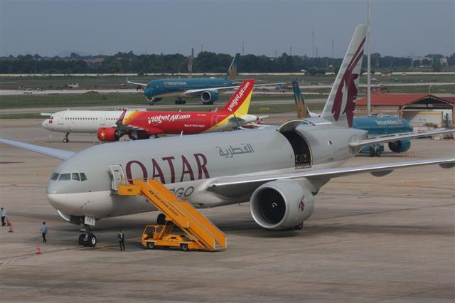 Cục Hàng không 'lăn tăn' đề xuất lập hãng bay 100 triệu USD của 'Vua hàng hiệu'