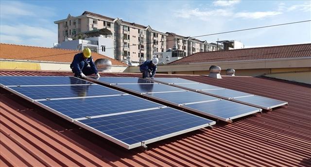 Điện mặt trời áp mái phát triển mạnh nửa đầu năm