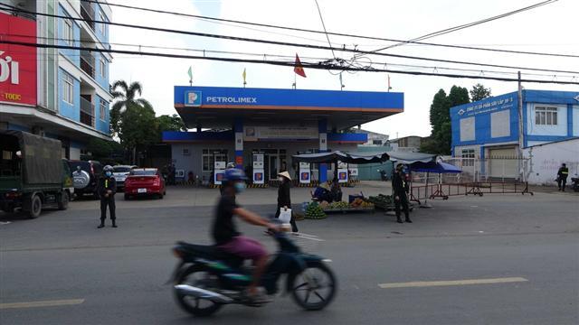 Đường dây 200 triệu lít xăng giả: Khám xét cây xăng Việt Khánh Anh ở TP.Biên Hòa