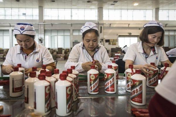 Giới đầu tư 'say' cổ phiếu ngành rượu Trung Quốc