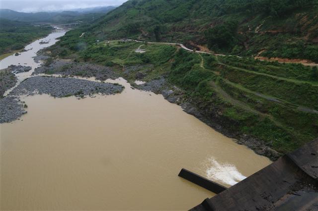 Lượng nước về các hồ thủy điện trên sông Đà thấp nhất trong 30 năm
