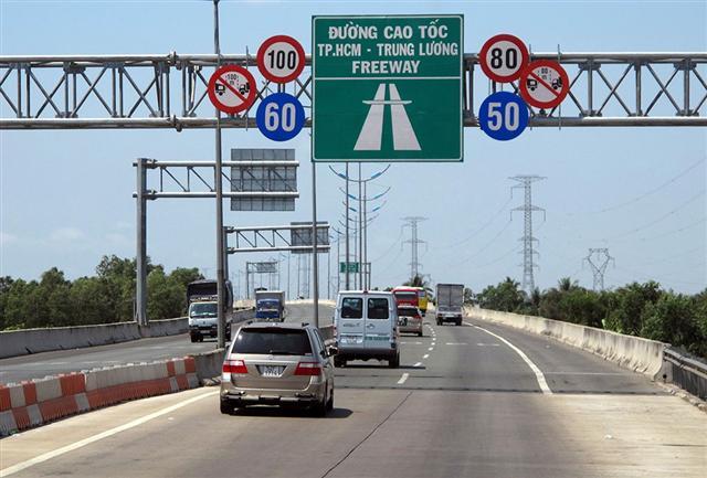 Thu phí các cao tốc do ngân sách đầu tư?