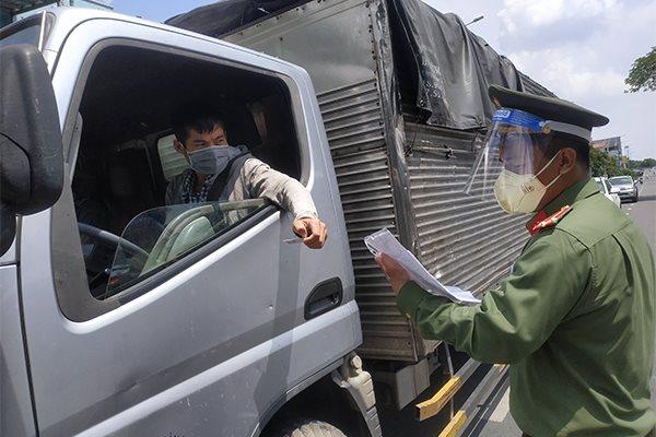 Tổ chức xét nghiệm lưu động cho lái xe vận chuyển hàng hóa