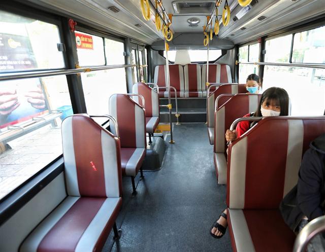 Trợ giá ngàn tỉ cho xe buýt là không đủ
