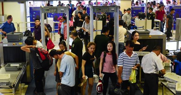 Vietnam Airlines tăng phí, giá vé máy bay Tết tiếp tục tăng