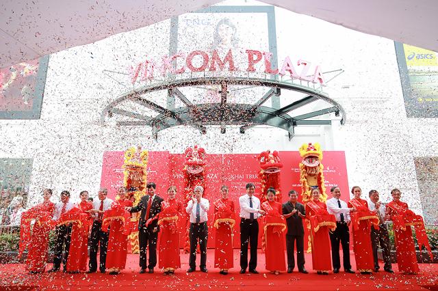 Vincom khai trương đồng loạt 3 TTTM tại Sơn La, Nghệ An và TP.HCM