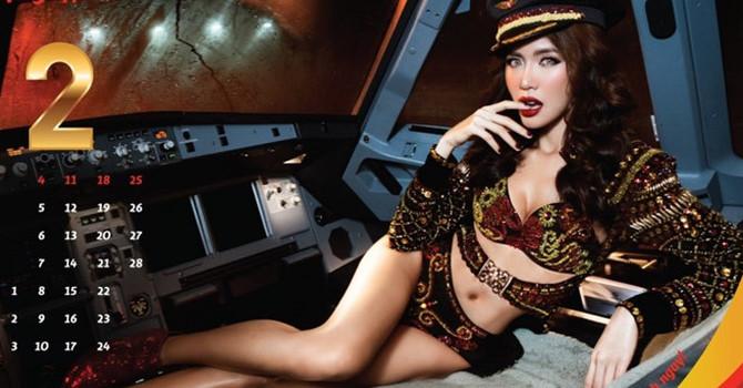 Vietjet Air tung ảnh lịch bikini, báo ngoại lo gây tranh cãi