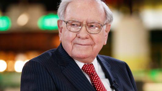Warren Buffett đang nắm giữ nhiều cổ phiếu nào nhất?