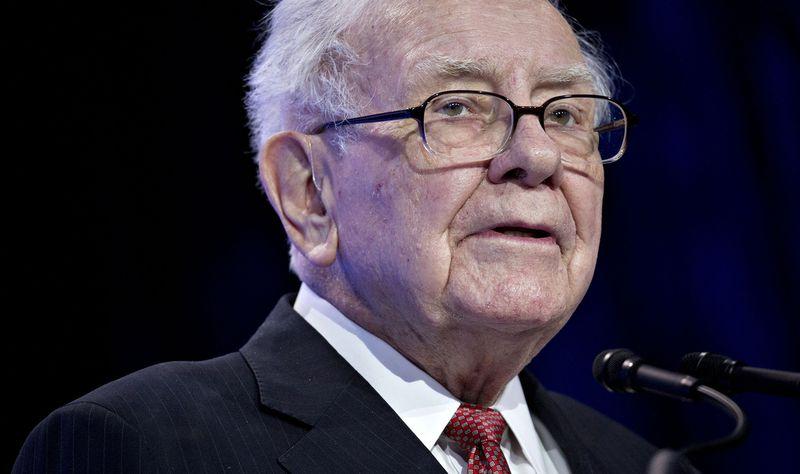 Warren Buffett bán phần lớn cổ phiếu Goldman Sachs, từ 2 tỷ USD xuống chỉ còn 330 triệu USD